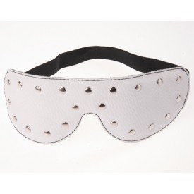 Белая кожаная маска на глаза с заклепками